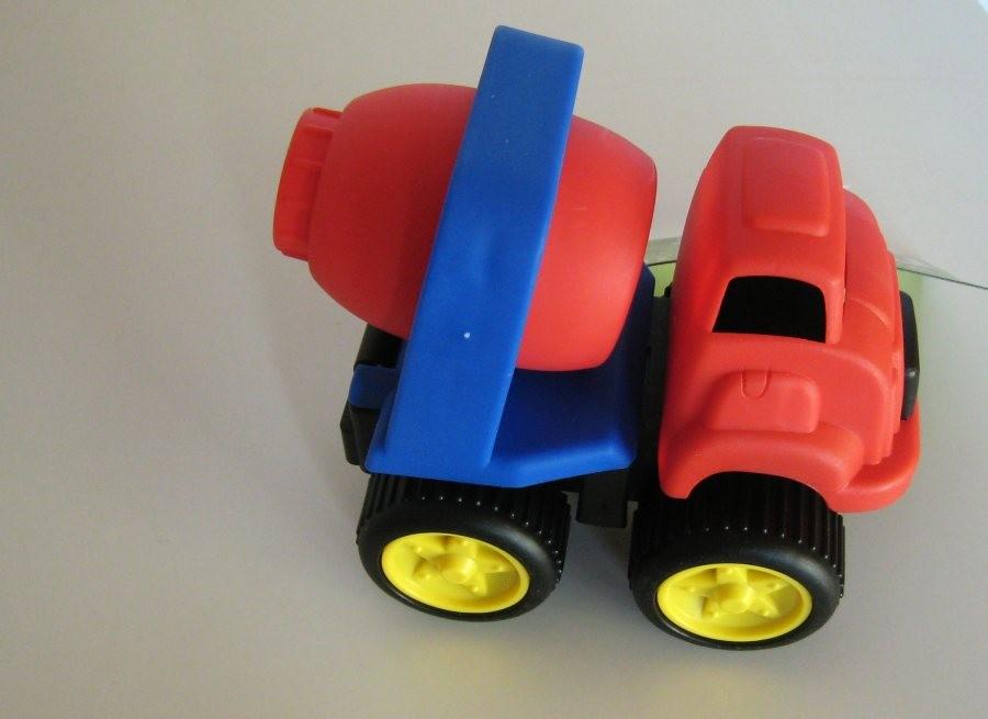 Camion toupie rouge et bleu