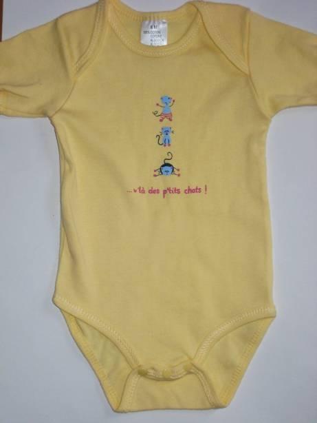 Body jaune bébé en coton 6...