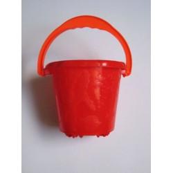 Seau en plastique rouge