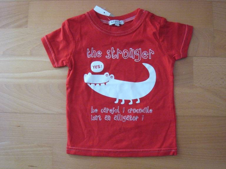 Tee-shirt rouge 'In...